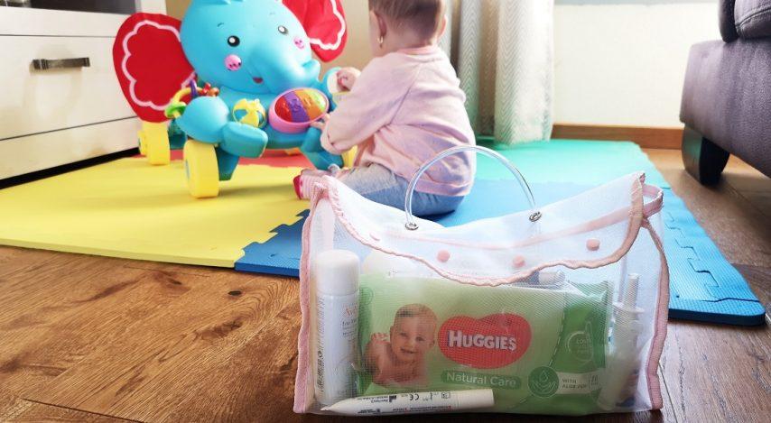 Geanta bebelușului – kitul de îngrijire zilnică și de urgență