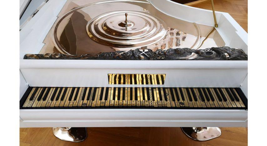 Încântare de duminică: expoziția Musica Universalis de la Muzeul de Artă Timişoara